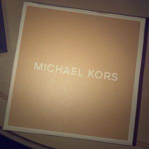 Michael Kors Men's all black watch⌚️